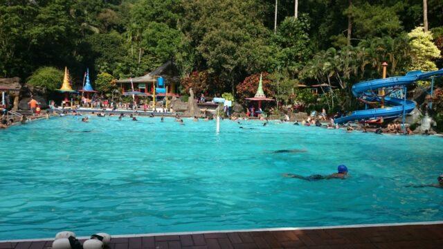 Kolam renang di Tirto Argo Siwarak