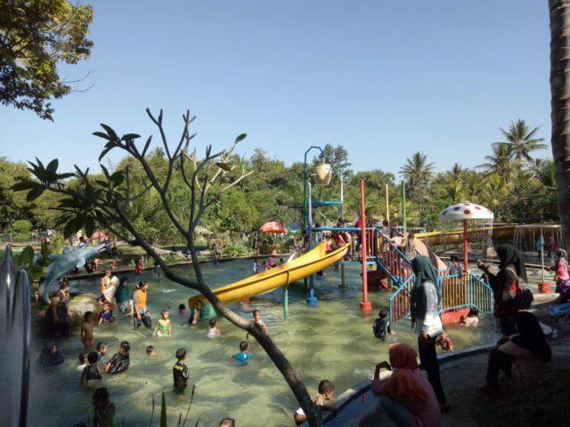kolam dan wahana anak rinjani waterpark