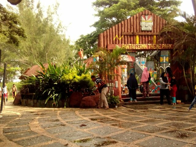 Pantai Cermin Theme Park Resort Serdang Bedagai