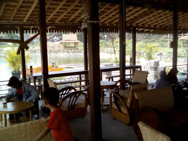 Restoran Joglo di Puri Mataram