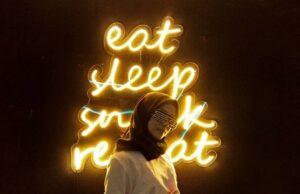 Tagline Snack Wonderlan, Eat, Sleep, Snack, Repeat