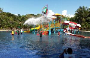 Waterboom di Gowa Discovery Park