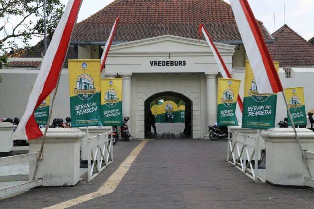 pintu masuk benteng vredeburg