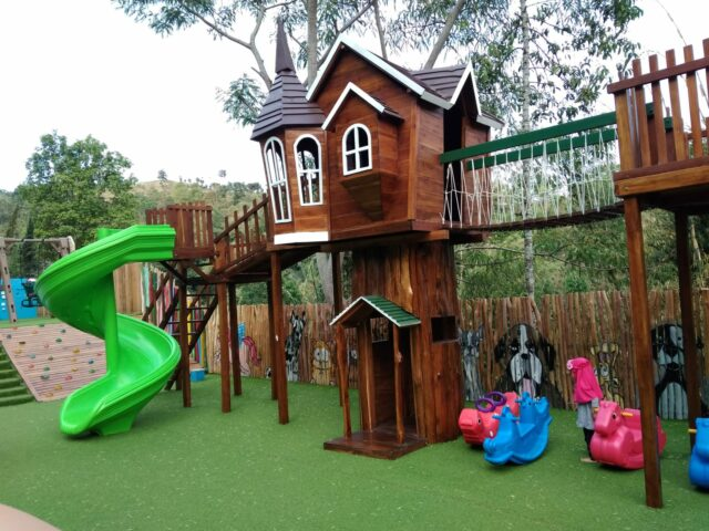 Area Wahana Playground