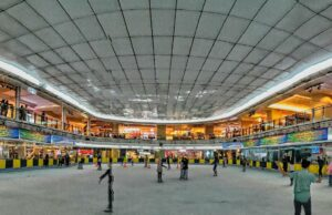 Arena ice skating di Sky Rink