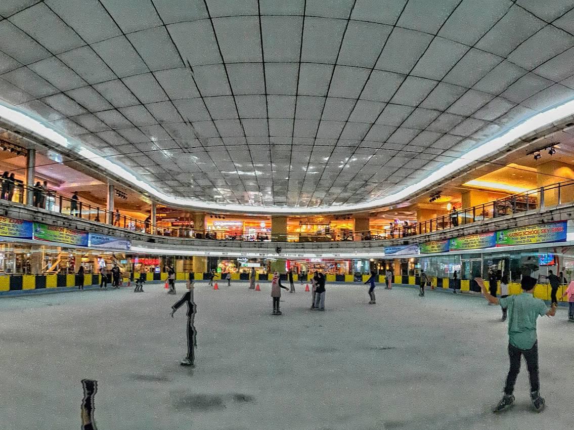 ice skating taman anggrek tiket amp aktivitas november 2019
