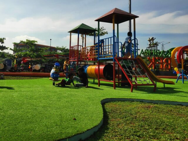 Arena Bermain anak-anak di taman sehati bekasi