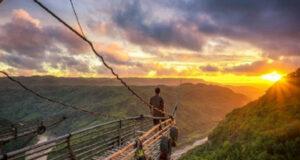 Berburu Sunset dari Kapal di Jurang Tambelan