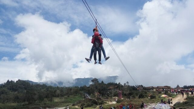permainan flying fox