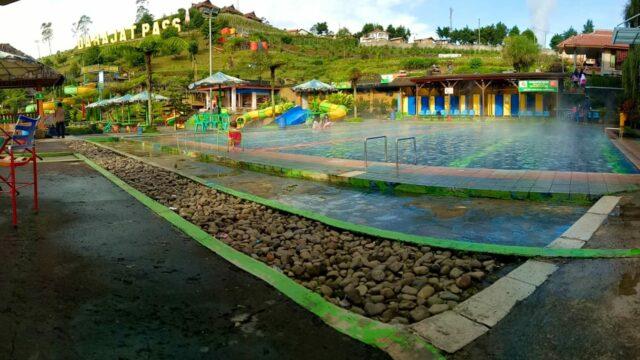 kolam air hangat garut