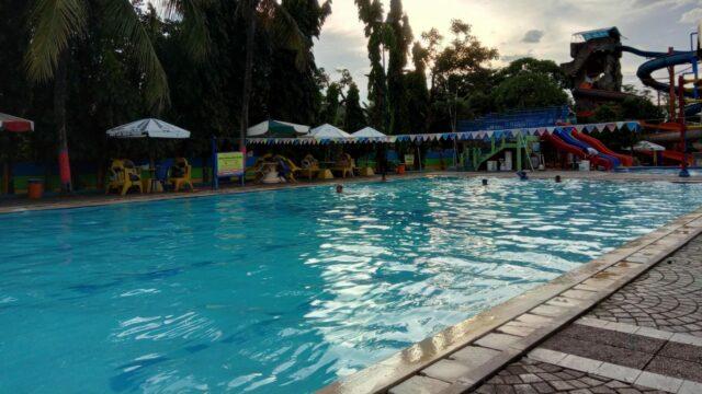 Kolam Renang di Fun Park Waterboom Bekasi