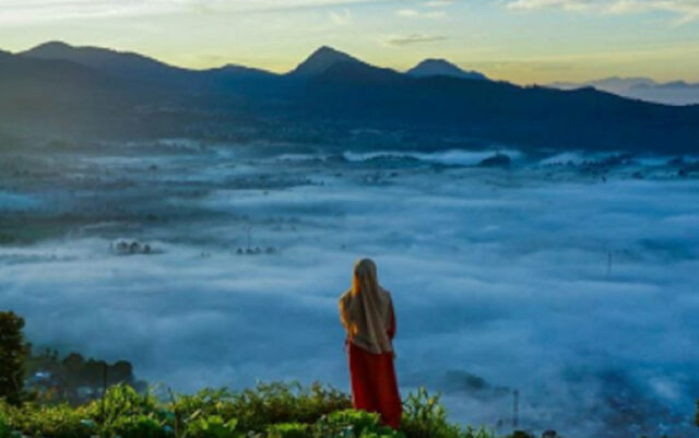 Lautan Awan di Gunung Putri Lembang