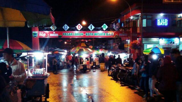 wisata kuliner alun-alun kota wisata batu di pasar laron