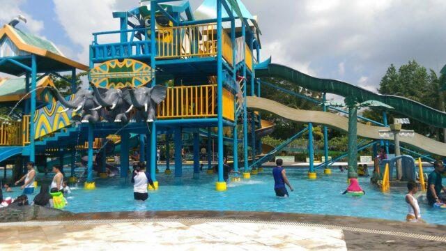 Permainan Seru di Adventure Pool Labersa Water Park Pekanbaru