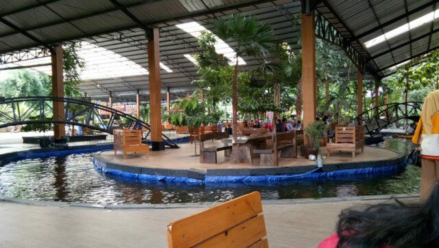 Pulo Coklat di Kampung Coklat Blitar