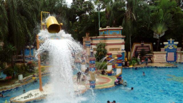 Rasakan Keseruan Guyuran Air dari Ember Tumpah Eldorado Waterpark