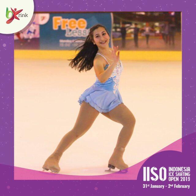 Serunya Menyaksikan Para Profesional Meluncur di BX Rink Ice Skating Bintaro