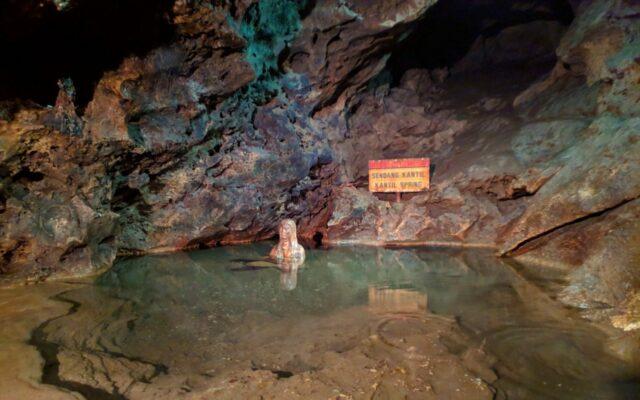 mata air sungai bawah tanah Goa Jatijajar