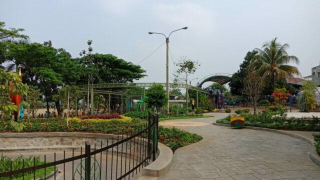 Taman yang Tertata Rapi
