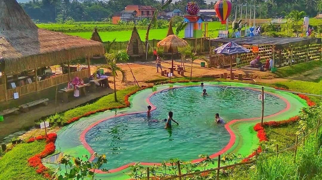 kolam renang | Wisata Yogyakarta