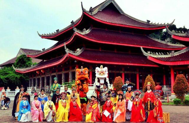 Sewa kostum dan festival