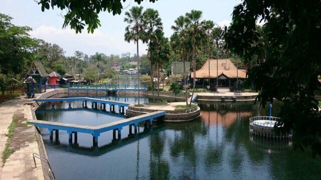 kolam alami wisata wendit