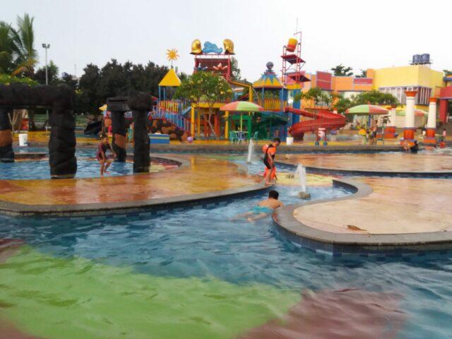 Permainan Ranjau Air Menantang Konsentrasi Anak di Splash Water Park Cibubur