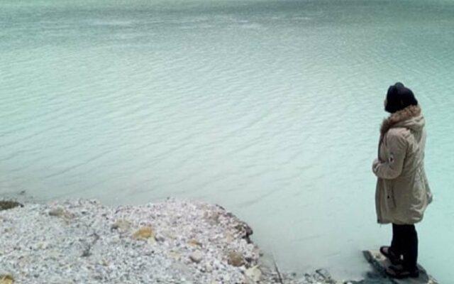 Air Kawah yang berwarna putih karena kandungan belerang