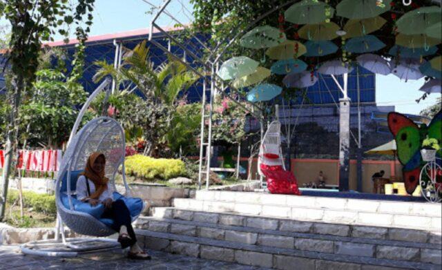 Ayunan gantung Surya Taman Wisata Kediri