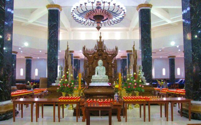 altar ritual umat budha
