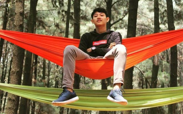Bersantai di atas Hammock