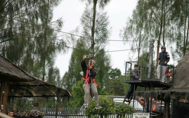 Flying Fox di Taman Wisata Alam Posong Temanggung