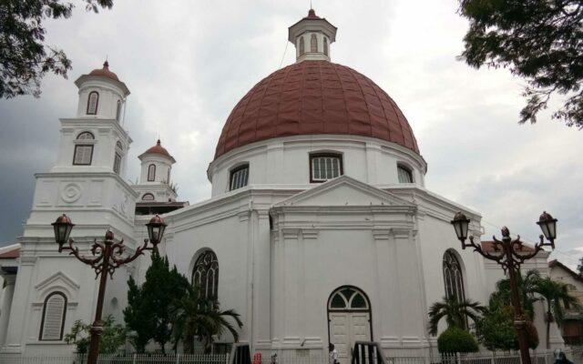 bangunan gereja blenduk semarang