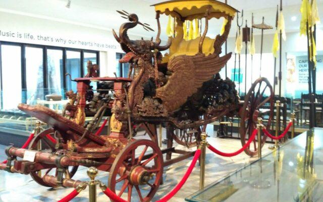 Kereta Kencana Singa Barong koleksi museum keraton kasepuhan cirebon
