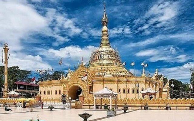 Pagoda Emas Taman Alam Lumbini Kab. Karo