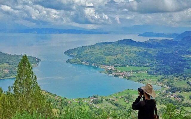 Pemandangan indah Danau Toba