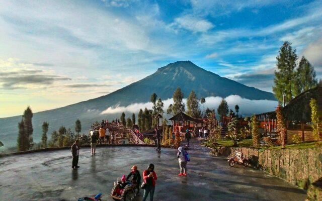 keindahan lembah Gunung Sindoro