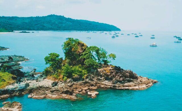 Pulau Kunti Taman Bumi Ciletuh
