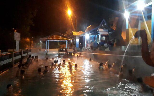 Ritual mandi Malam Bersama saat Jumat Kliwon