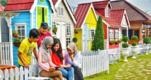 Rumah-rumah mini ala Eropa yang instagrammable di Urban Farming Center Purwakarta