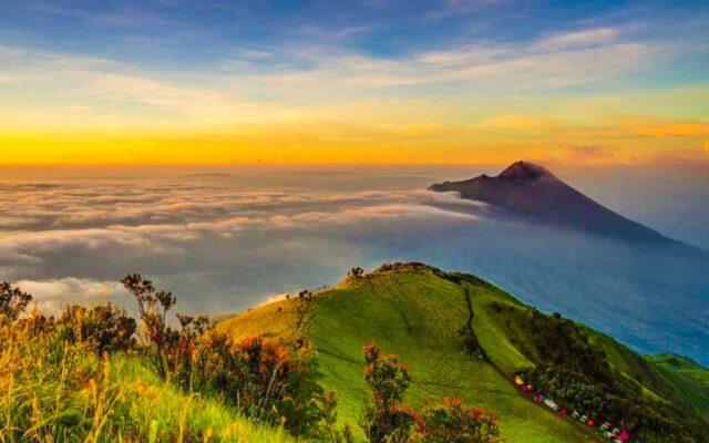 sunrise di gunung merapi