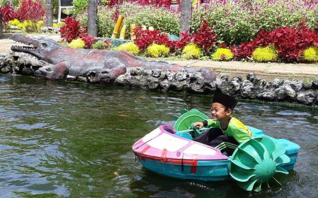 wahana perahu anak