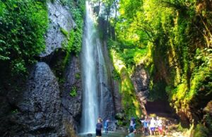 Wisata air terjun Curug Nangka Bogor