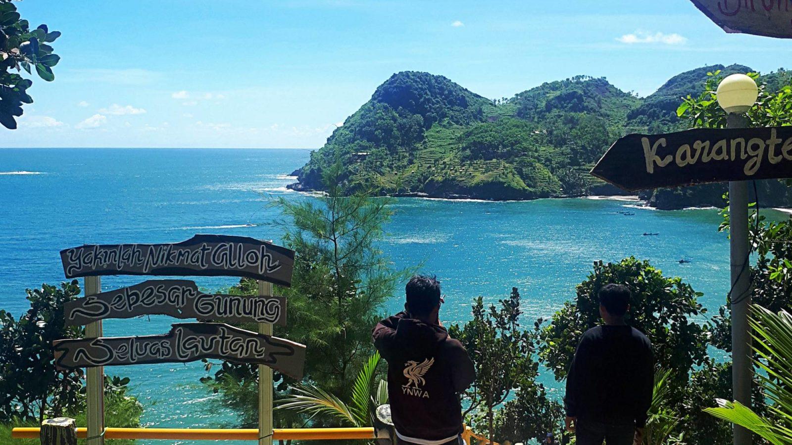 Pantai Watu Bale Tiket & Aktivitas November 10 - TravelsPromo