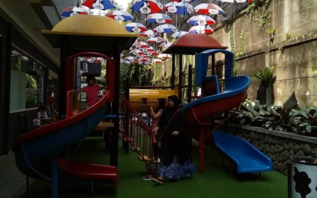 Area Playground anak-anak