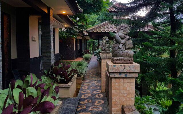deretan villa micahel resort