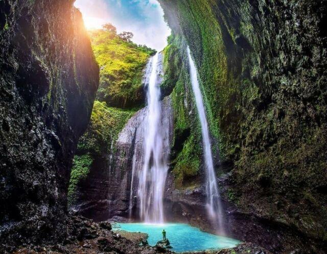 tumpahan air dari perbukitan di sekitar kawasan Air Terjun Madakaripura