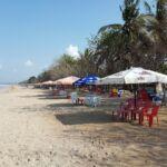area bersantai di pantai kuta