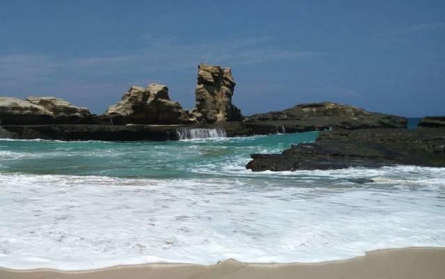batu karang sphinx yang cukup unik