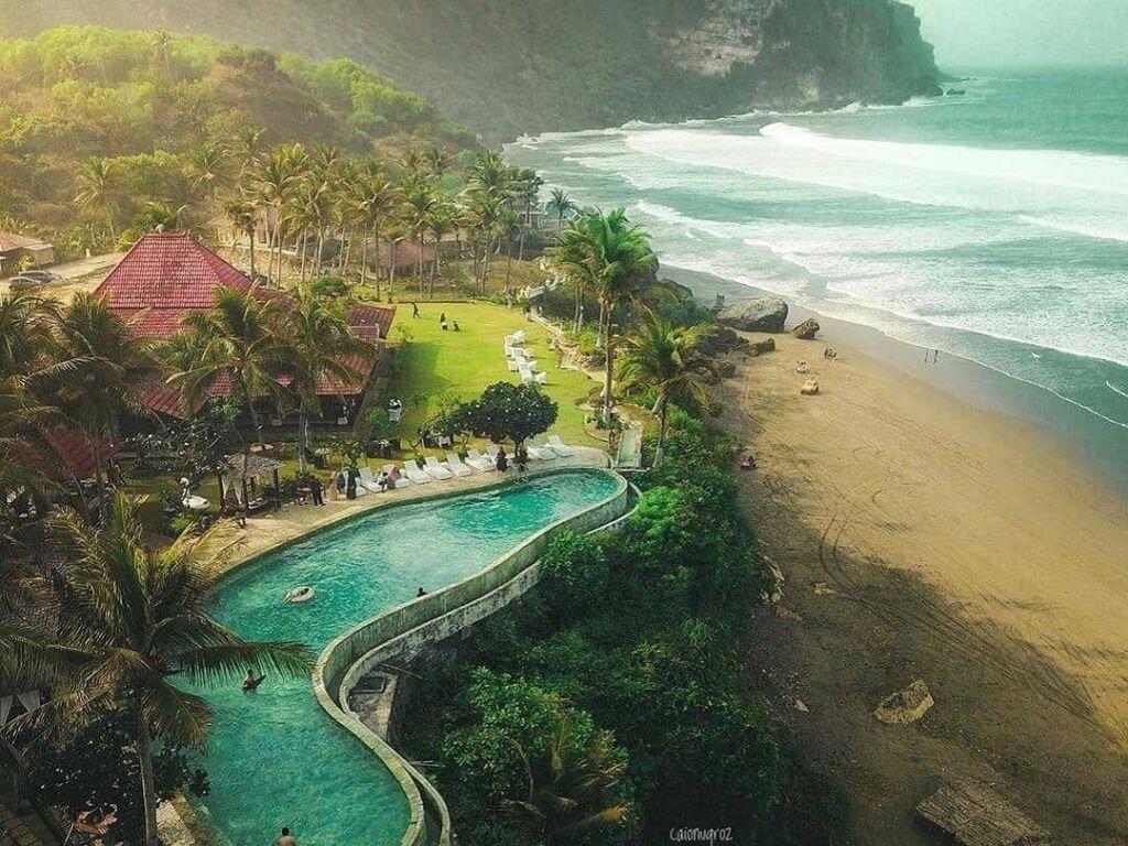 penginapan dan hotel di tepi pantai
